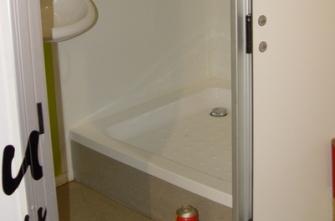 Tijdelijke Mobiele Badkamer : Mobiele badkamer op wielen burito verhuur b v toiletvoorzieningen
